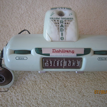 1955 Dahlberg Coin Operated Hospital Hotel Motorama Pillow Speaker Jadeite Green Tube Radio Model No. 4130-D1