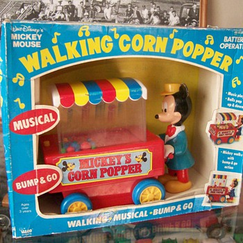 Mickey Mouse Walking Corn Popper