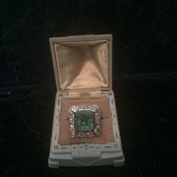 Art deco emerald and diamond ring - Art Deco