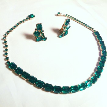 Weiss demi parure NECKLACE EARRINGS Emerald Green - Costume Jewelry