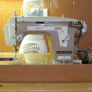 NewHome vintage model 108 - Sewing
