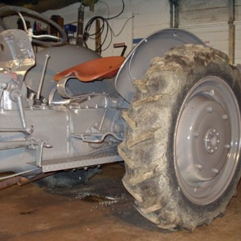 1946 Ford 2N tractor - Tractors