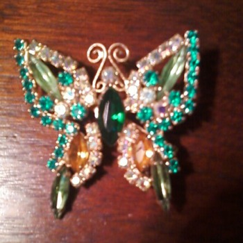 Unsigned Butterfly Pin