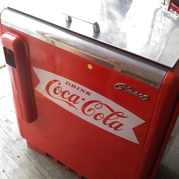 Coca Cola Cooler- works perfect