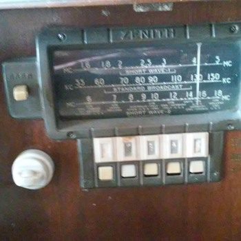 old zenith radio about 1940 - Radios