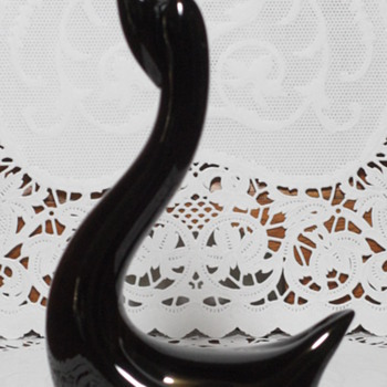 Black Hallmark Swan - Art Glass