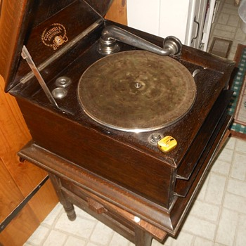 Columbia Grafanola Table Top Record Player Circa 1920 - Records
