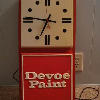 Devoe Paint Light-up Clock
