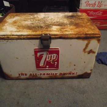Vintage 7-up cooler 