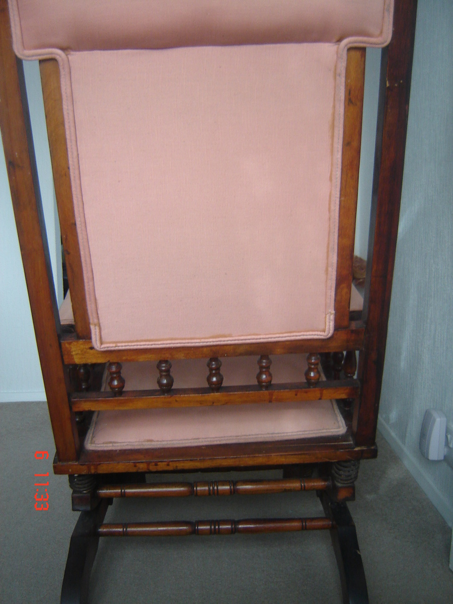 Dexter rocking chair with 6 spring suspension