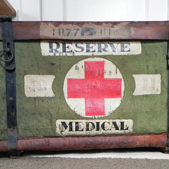 "WWII ""R.F.M.P.  Reserve Medical"" pannier--wicker with canvas - Furniture"