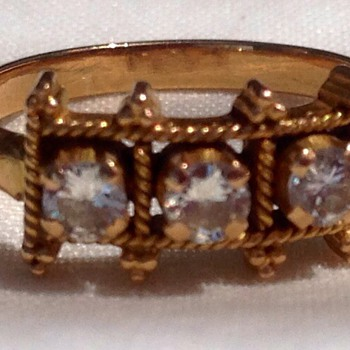 15ct Gold Ring. - Fine Jewelry