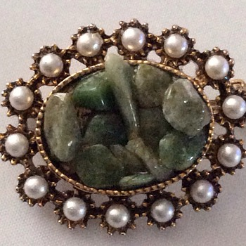 Antique / vintage brooch - Costume Jewelry