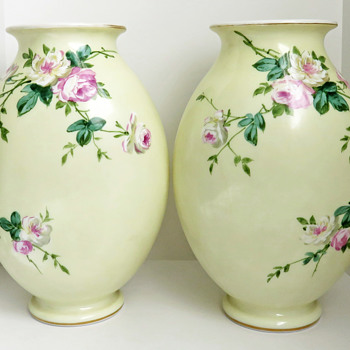Mirrored Pair of Baccarat Opaline Vases Enameled with Roses