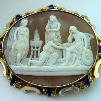 Rare scenic cameo in enameled gold frame - Fine Jewelry