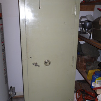 Large Upright Safe