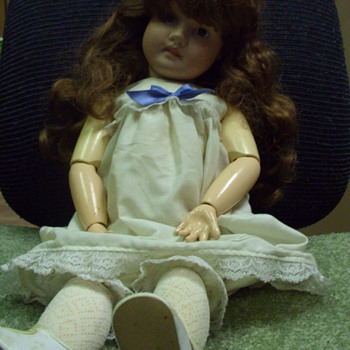 Baby doll Need info on her