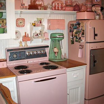 I saw this Photo Of a Retro Kitchen and loved it :-) - Kitchen