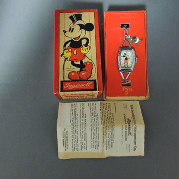1937/1938 MICKEY MOUSE DELUXE WRIST WATCH