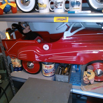 1941 Murray Pontiac Tow. with Red Crown Gas emblem.  - Model Cars