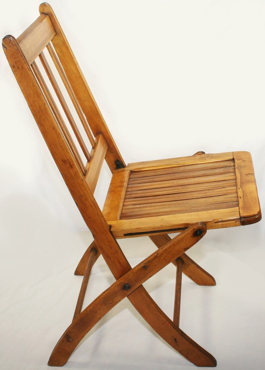 Beautiful Vintage Art Deco Era Folding Wooden Slatted Chair