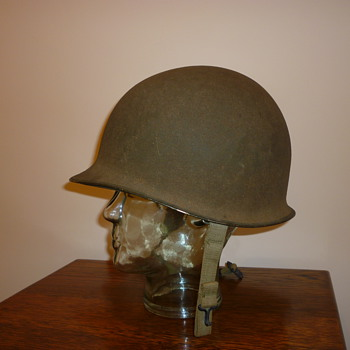WWII American fixed bale helmet. - Military and Wartime