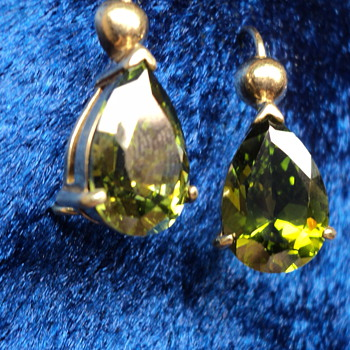 18k Victrian Sphene Pear Shape Earrings