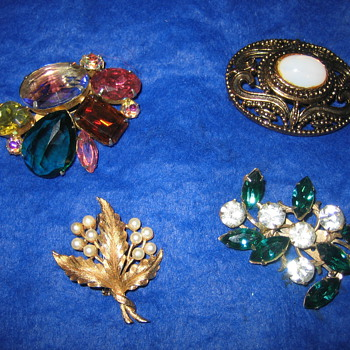 Some of my Favorite Vintage Brooches - Costume Jewelry