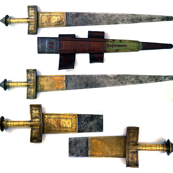 Wided bladed takouba sword