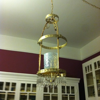 Recently refurbished gas hanging fixture