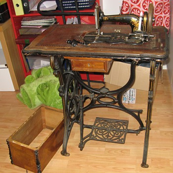 My Favorite unknown sewing machine - Sewing