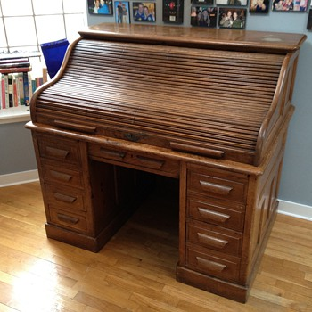 Original Wm Schwarzwaelder & Co. Rolltop Desk (early 1900's)