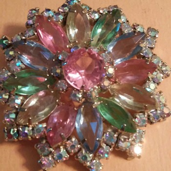 A flower pin  - Costume Jewelry