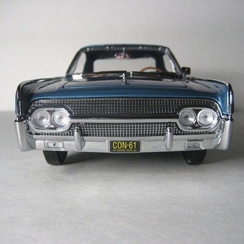 1961 Lincoln Continental Four Door Convertible Die-Cast Replica - Model Cars