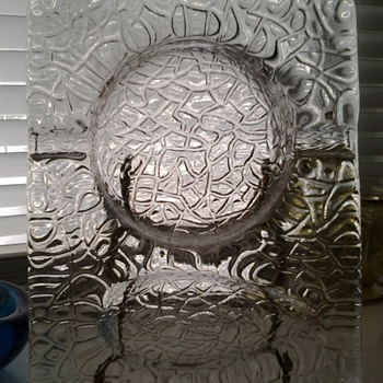 Thick glass pipe ashtray