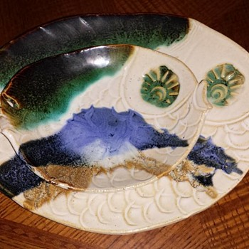 Studio Fish shaped serving platters - Pottery