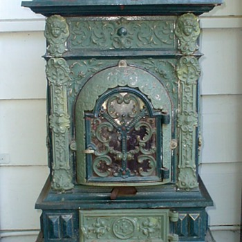 Cast Iron Parlor Stove - Musterschutz and DRGM markings