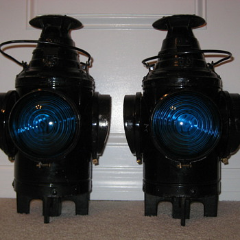 Pair of matching Dressel Railroad lamps (lanterns)
