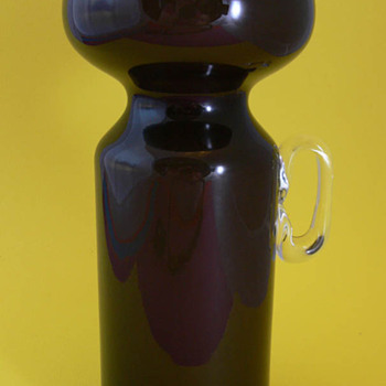 Smokey Black Vase! Help! - Art Glass