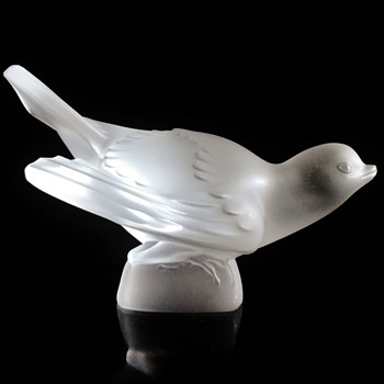 "LALIQUE - FRANCE ""SPARROW WINGS SPREAD "" BIRD #3 - Art Glass"