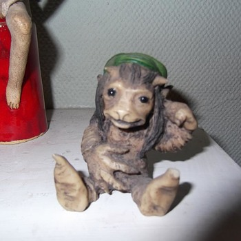 1990s resin goblin / pixie/ fantasy figure - please help