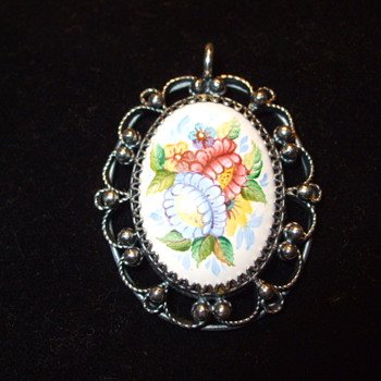 Hand Painted Silver Filigree BROOCH- Who made this & when?