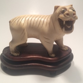 Antique Chinese Carved lion Foo Dog Figurine