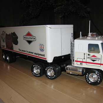 toy collector truck Briggs and Stratton Olympic sponsor 1988 - Advertising