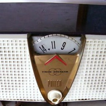 1957 Philco Model E816 Twin Speaker Radio - Radios