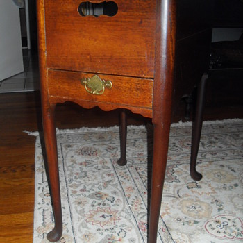 Rhode Island Tea Table circa 1760 - Furniture