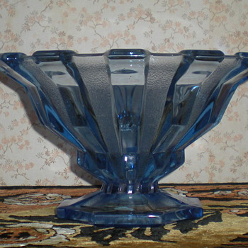 Bohemian Art Deco glass bowl.