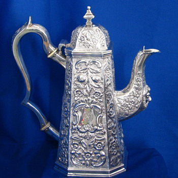 Irish Antique Silver Coffee Pot, William Nowlan, Dublin 1831 - Sterling Silver
