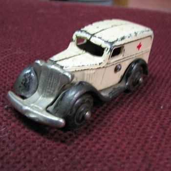 1930's cast iron ambulance - Model Cars