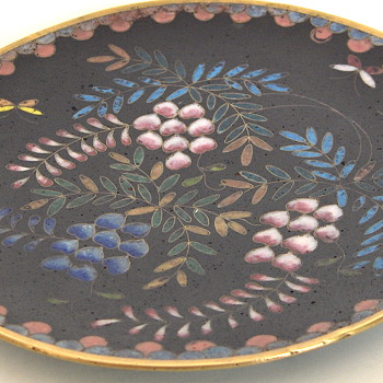 Antique Wisteria & Foliage Black Japanese Cloisonne Plate 6 inches